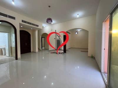 فیلا 5 غرف نوم للايجار في مدينة خليفة أ، أبوظبي - 5 BEDROOM VILLA WITH BEAUTIFUL KITCHEN AND BATHROOM LOCATED AT KHALIFA CITY A.