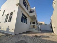 للايجار فيلا روعه 5 غرف ماستر بالمويهات  موقع ممتاز قريب شارع الشيخ محمد بن زايد