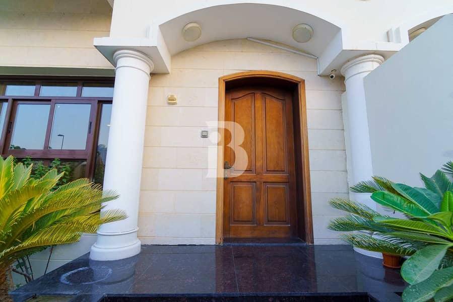 2 Luxurious 4 Bedroom | Private Elevator | VOT