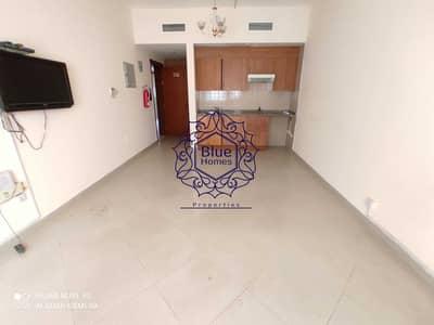 استوديو  للايجار في الخان، الشارقة - شقة في الخان 16000 درهم - 5387350