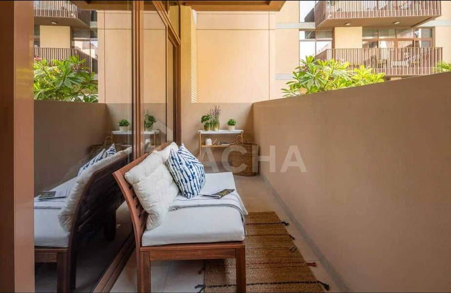 18 Exclusive / Pool View / Fully Furnished
