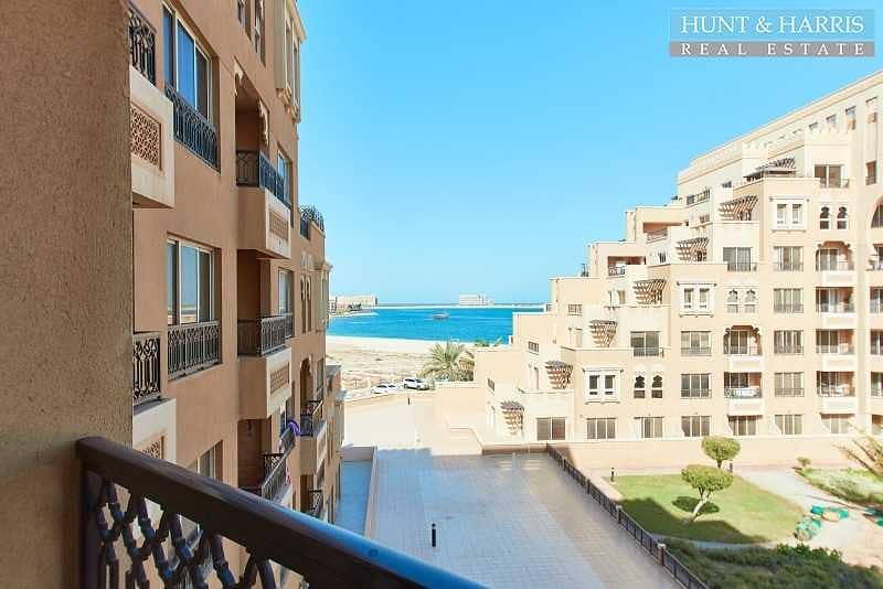 Spacious Studio Apartment - Sea View - Fully Furnished