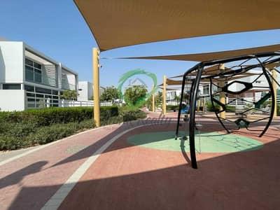 تاون هاوس 4 غرف نوم للبيع في مدن، دبي - Amazing Unit  Well Kept  Access to Park from Back Yard 