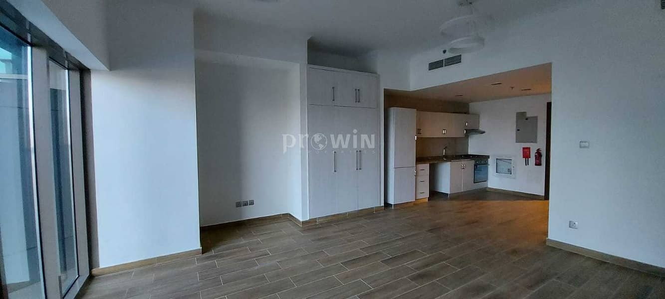 Very Beautiful Studio Apt   Great Location    Fully Equipped Kitchen   Amazing Facilities !!!