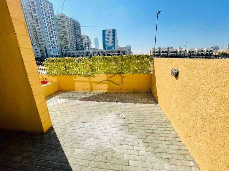 10 3BR+Maid Duplex|Private Entrance| Huge Backyard| Best Family Community