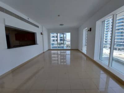 2 Bedroom Apartment for Rent in Dubai Sports City, Dubai - CHILLER FREE   SPACIOUS UNIT WITH STORE ROOM   WELL MAINTAINED.