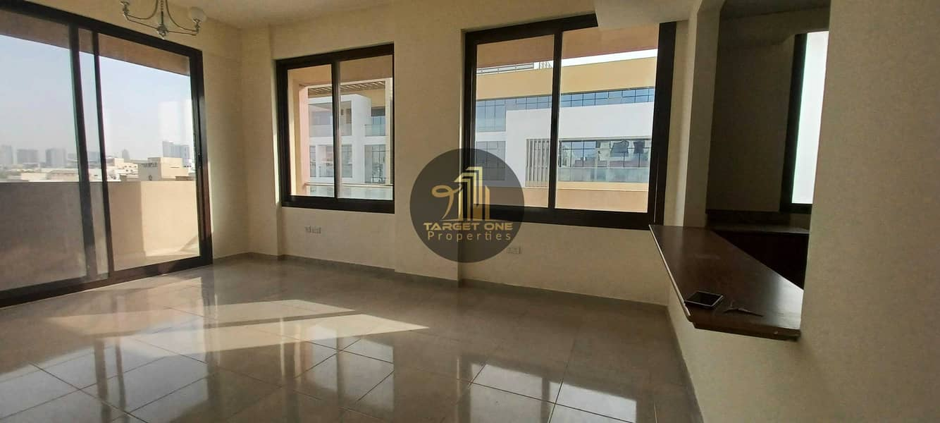 MASSIVE SIZE   PRIME LOCATION  WELL MAINTAINED 1BHK  FLEXIBLE PAYMENT
