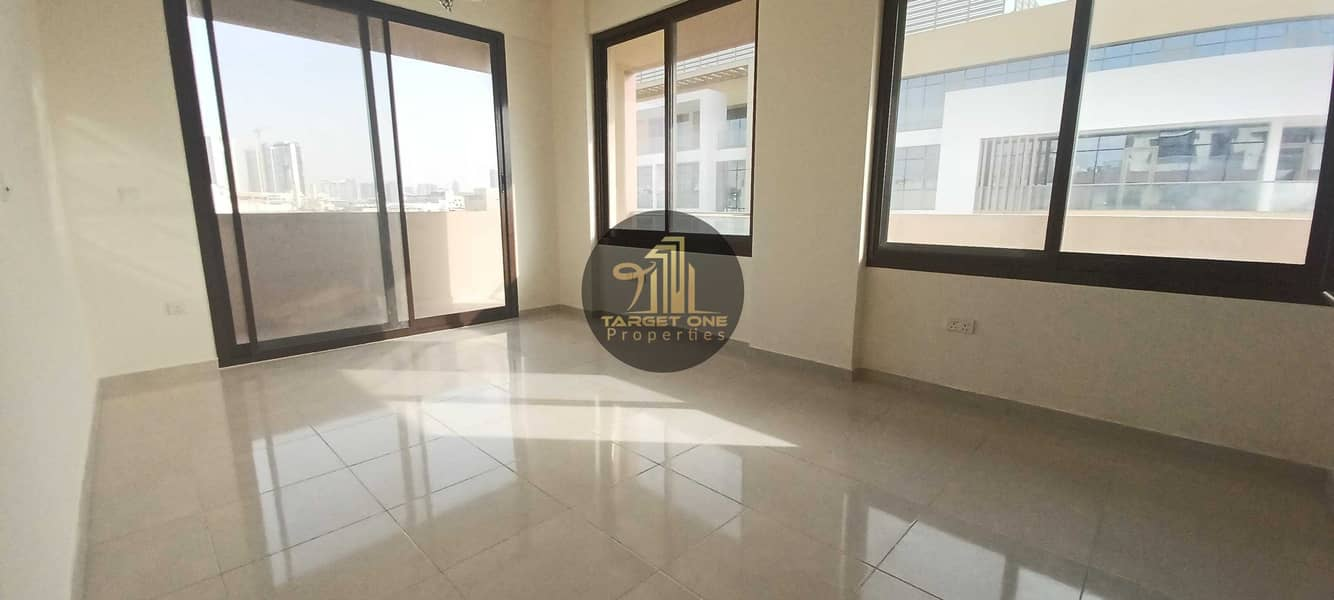 2 MASSIVE SIZE   PRIME LOCATION  WELL MAINTAINED 1BHK  FLEXIBLE PAYMENT