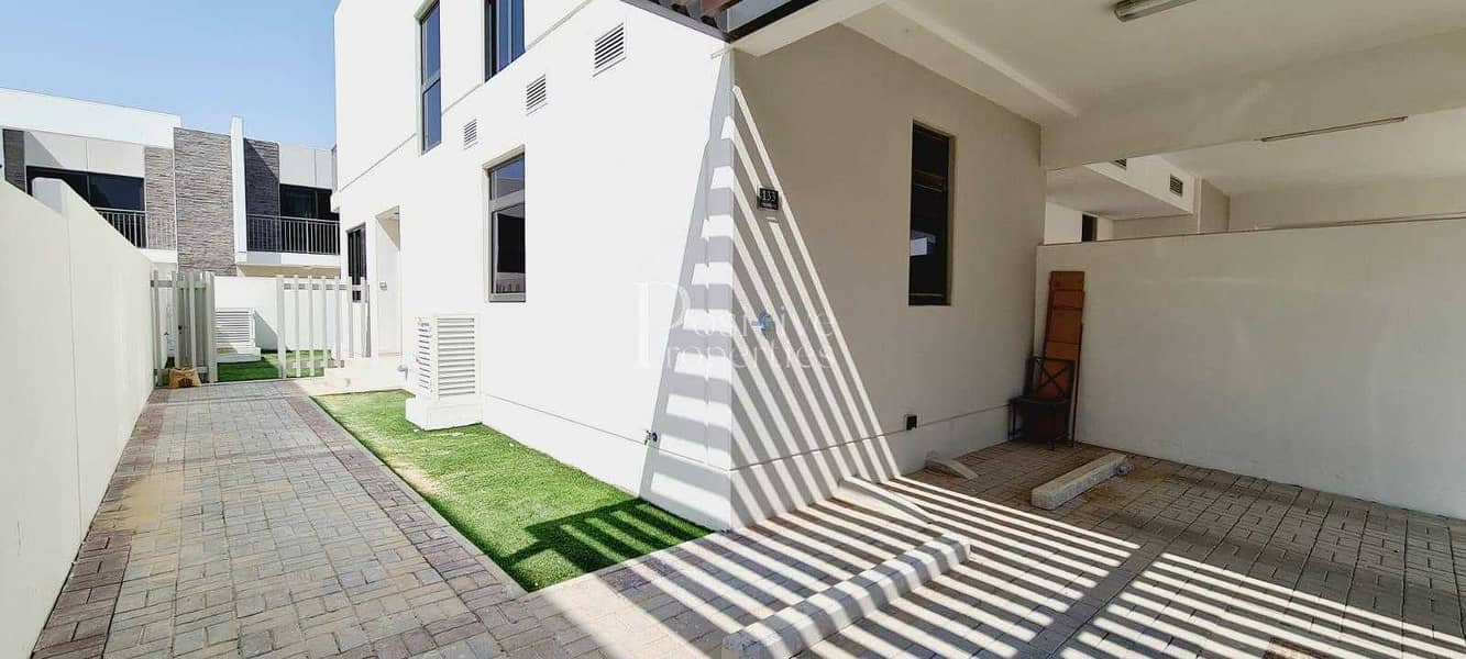 Fully Landscaped   Hot Deal   Ready to Move