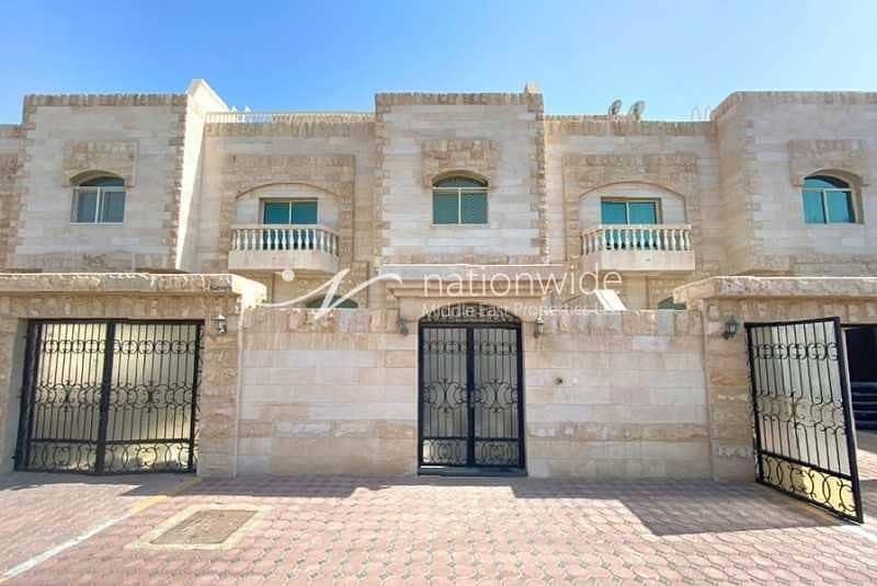 2 Superb Compound of 3 Villas Near Grand Mosque