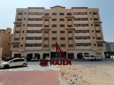 مبنی تجاري  للبيع في الجرف، عجمان - عمارة للبيع في منطقة عجمان الجرف بسعر مغري جدا وادفع كاش فقط
