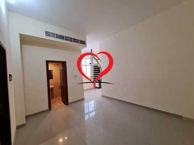 فلیٹ 1 غرفة نوم للايجار في مدينة خليفة أ، أبوظبي - 1 BHK WITH NICE FLOOR LOCATED AT KHALIFA CITY A.