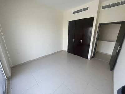 فیلا 3 غرف نوم للايجار في المدينة العالمية، دبي - تاون هاوس مودرن | سعر معقول | المجتمع الفخم