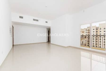 1 Bedroom Flat for Sale in Remraam, Dubai - Elegant |  Open Kitchen |  Close to Pool