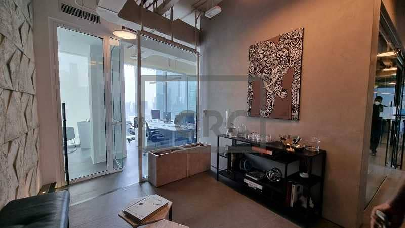 2 Fitted | Canal View | High End Finish | 3 parking