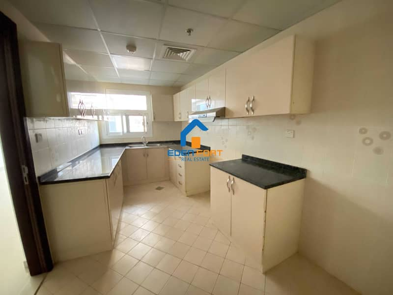 2 Excellent value Two Bedroom Flat With Closed kitchen