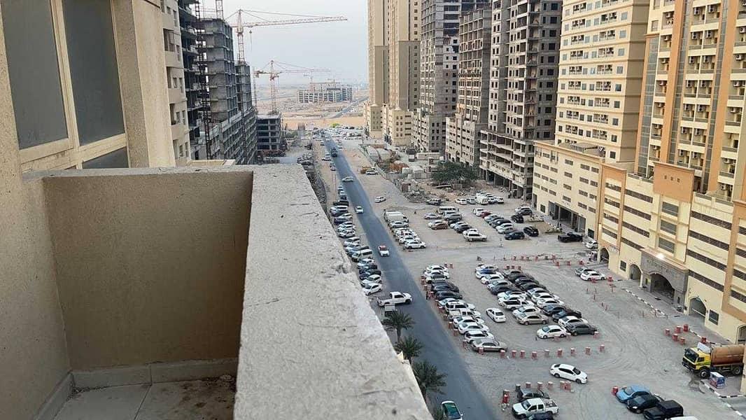 شقة في مدينة الإمارات 2 غرف 240000 درهم - 5390445