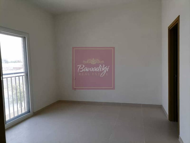 READY TO MOVE  MULTIPLE CHEQUES  SINGLE ROW  2 BEDROOM + MAID