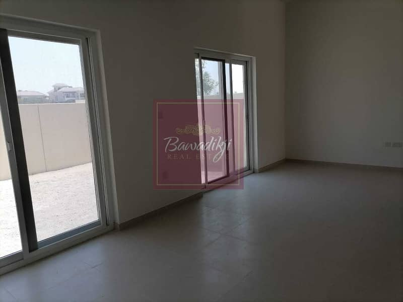 2 READY TO MOVE  MULTIPLE CHEQUES  SINGLE ROW  2 BEDROOM + MAID