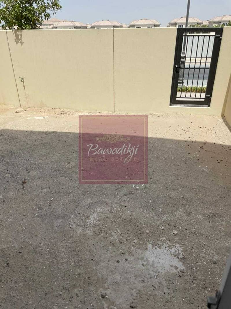 15 READY TO MOVE  MULTIPLE CHEQUES  SINGLE ROW  2 BEDROOM + MAID