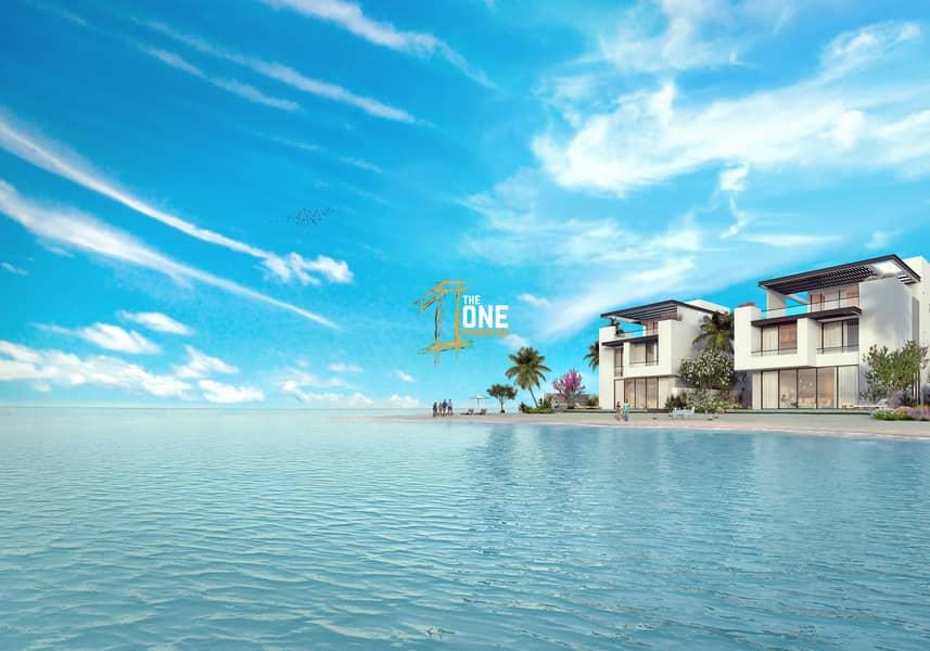 2 Independent Stunning  Beachfront 6 Bedrooms  Villa For Sale - Sun Island