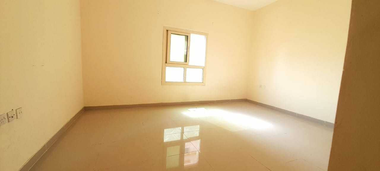 BIG SIZE STUDIO FLAT WITH SEPRATE KITCHEN JUST IN 14K 4,6 CHEQUE PAYMENTS NO DEPOSIT CLOSE TO MUBARAK CENTER AL NABBA SHARJAH