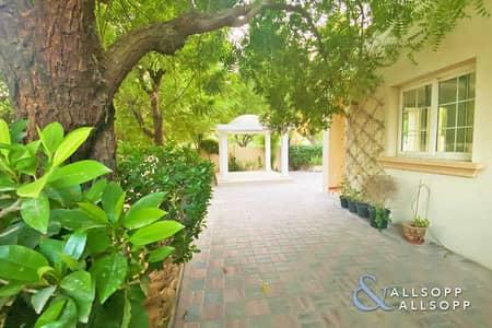 فیلا 2 غرفة نوم للايجار في الينابيع، دبي - Vacant   Close To Souk   Upgraded   2 Beds