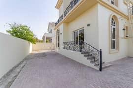 فیلا في ذا سنترو ذا فيلا 4 غرف 209878 درهم - 5391364
