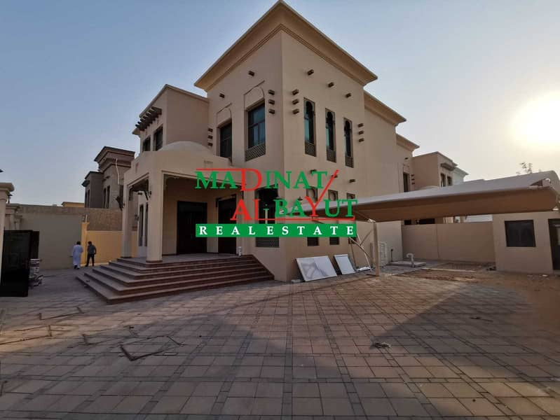 ASTONISHING STAND ALONE 4 MASTER BEDROOM VILLA WITH DRIVER\'S ROOM AWAITS IN MBZ