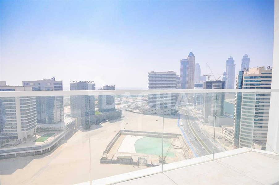14 Luxury Brand New Studio / High Floor / Canal View