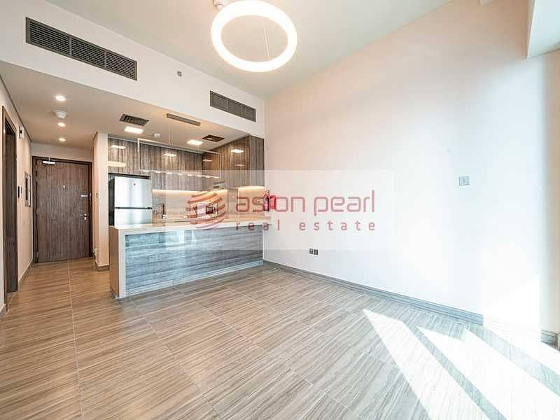 Genuine 1BR w/ Balcony|Kitchen Appliances|LakeView