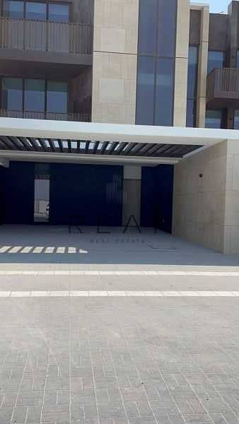3 Bedroom Townhouse for Sale in Jumeirah, Dubai - PRIVATE YARD |NEXT TO POOL |3BR W/ LIFT |AMALFI