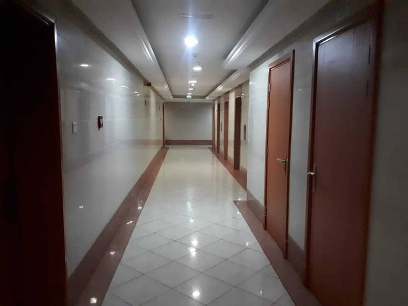 studio for rent in pearl tower just 1000 per month / yearly