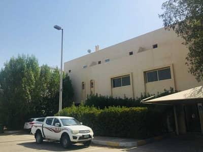 تاون هاوس 8 غرف نوم للبيع في المرور، أبوظبي - 2 Spacious Villa's -4 Bedroom Each for Sale.
