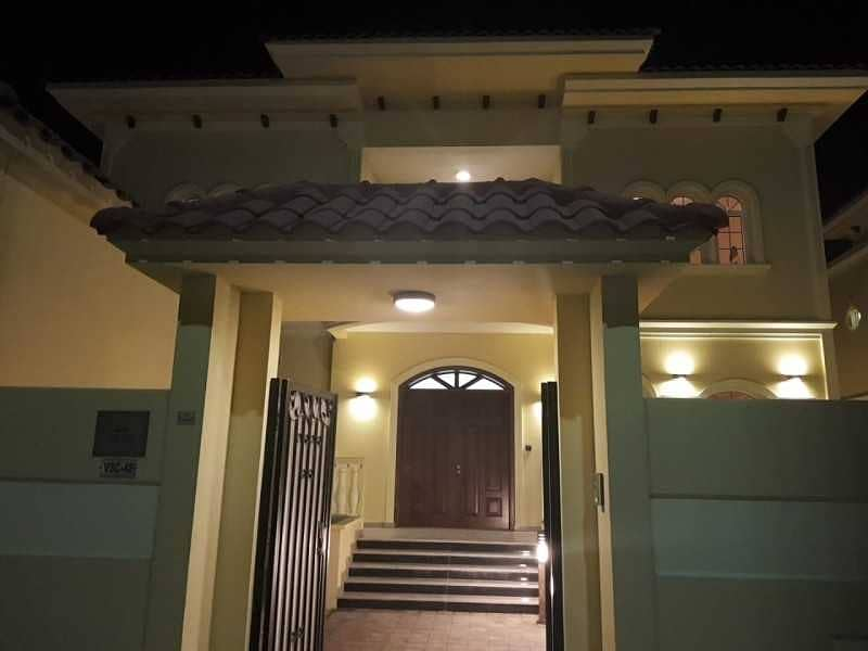 8 Perfectly Priced ! 4 Bedroom Villa with Maid's Room & Corner view !