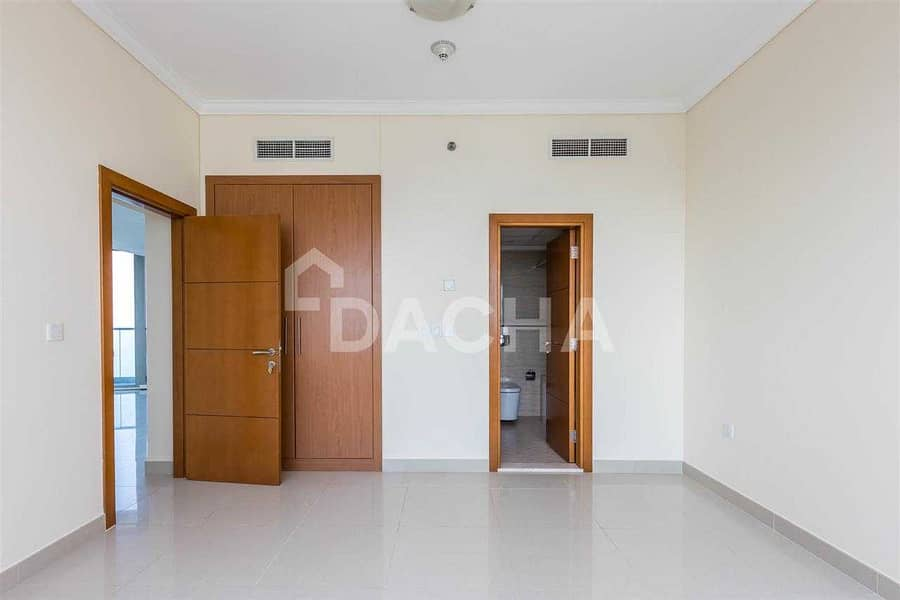 Fully Furnished 1Br / Ready to move in