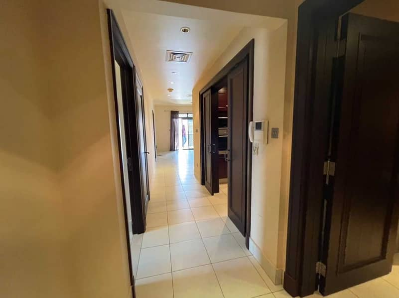 2 Spacious Unfurnished 2 Bed   Well-kept   Low Floor