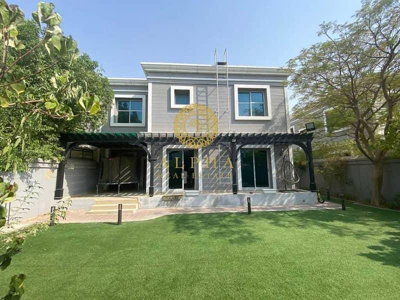 2 Fully Furnished |  New World Style Townhouse | FULLY UPGRADED!|Amazing Community| Dream home!