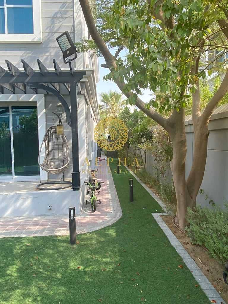 19 Fully Furnished |  New World Style Townhouse | FULLY UPGRADED!|Amazing Community| Dream home!