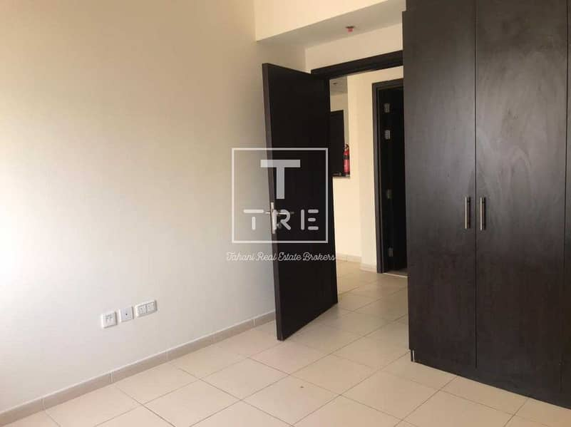 DISTRESS DEAL  RENT 36999AED  IN 4 CHEQ TWO BALCONY
