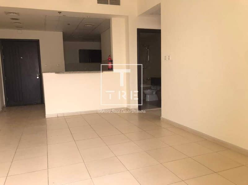 2 DISTRESS DEAL  RENT 36999AED  IN 4 CHEQ TWO BALCONY