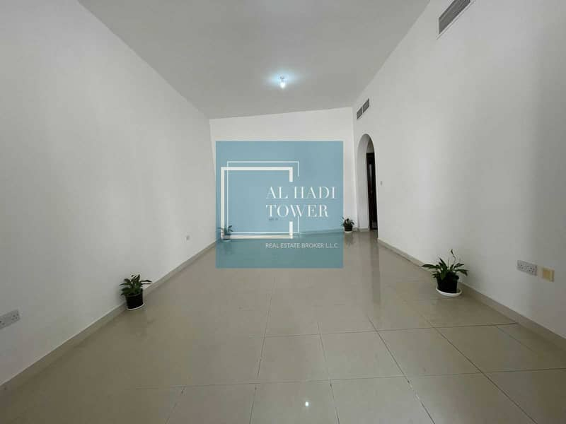 Upgraded Spacious 1 Bedroom Hall in MBZ Zone 16