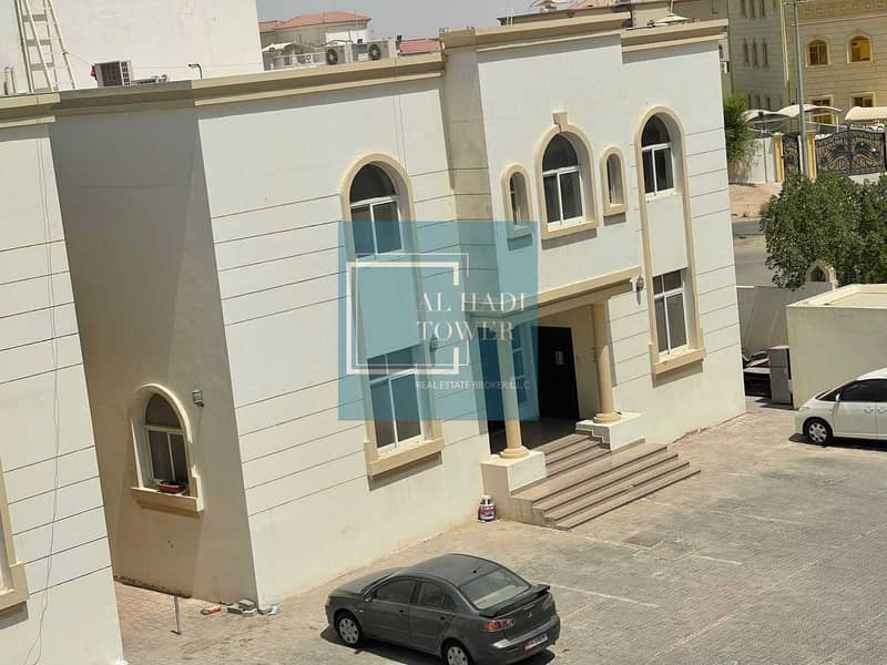 14 Upgraded Spacious 1 Bedroom Hall in MBZ Zone 16