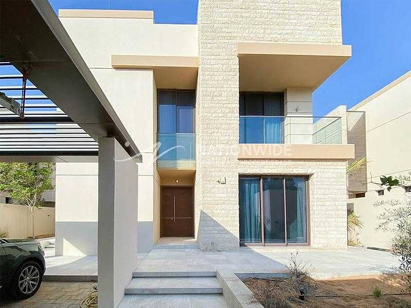 Live The Luxurious Life You Deserve With Villa