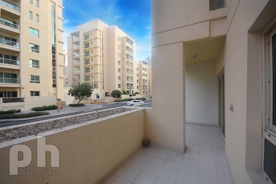 1 bed | Available Now | Unfurnished | Parking
