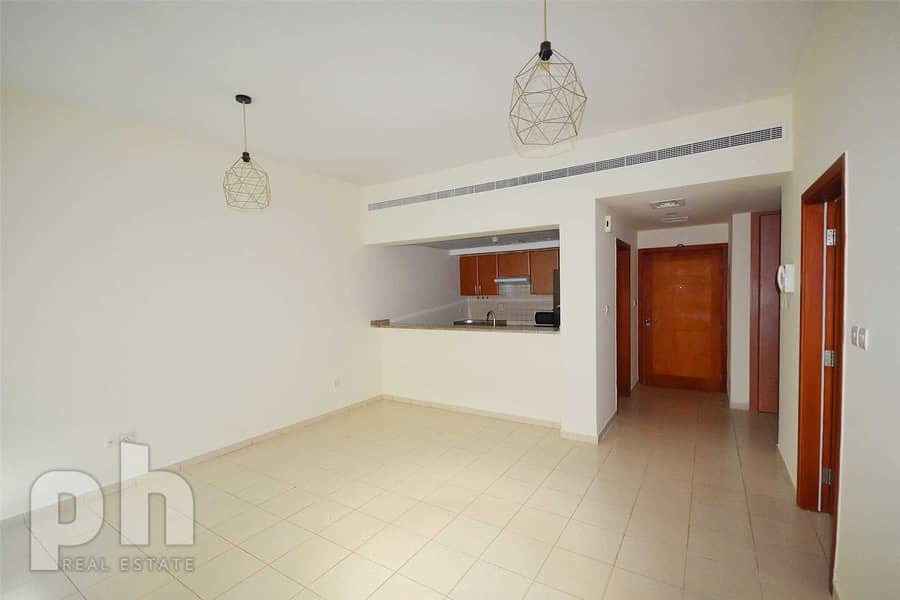 2 1 bed | Available Now | Unfurnished | Parking