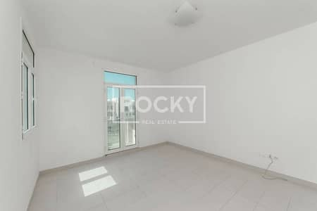 Multiple cheques Closed kitchen 3 bed in Al Furjan