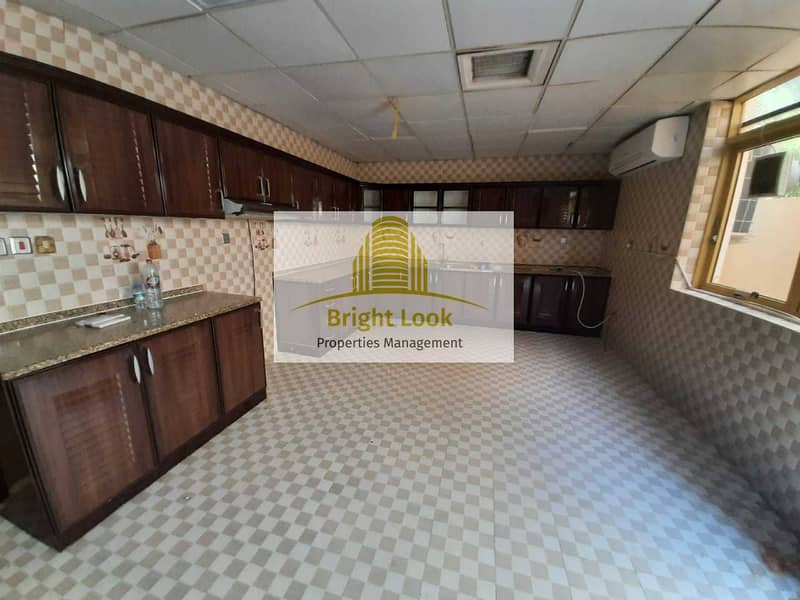 20 000/Year| 3 Payments Located Muroor Road