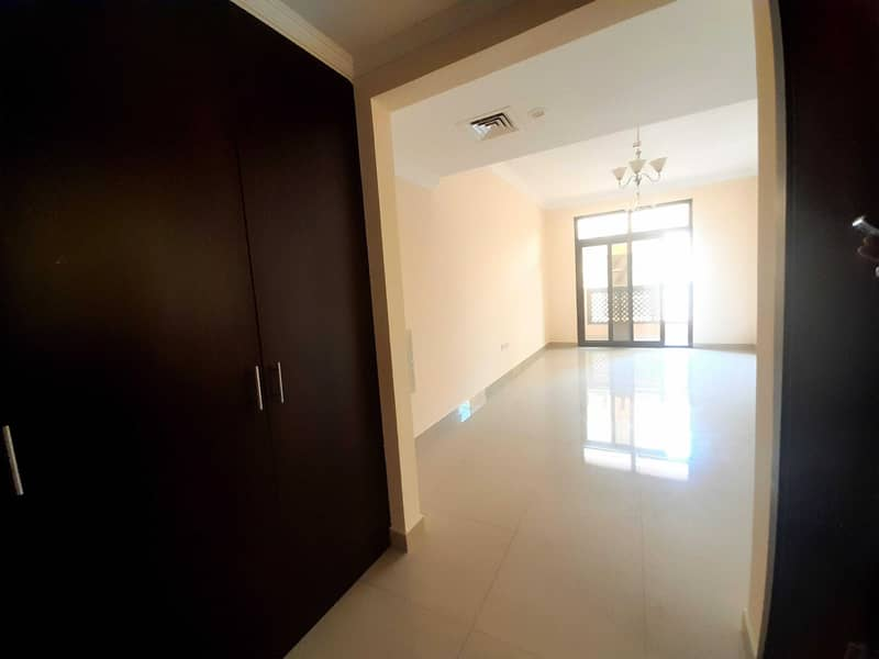 2 WELL FINISHING 2BR  BALCONY   CHEAP PRICE 35K IN MUWAILEH COMMERCIAL SHARJAH