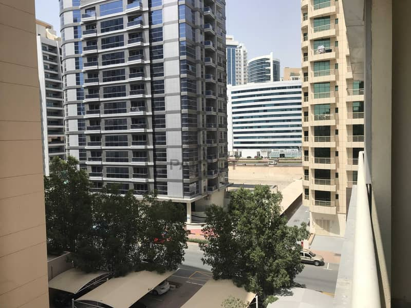 15 1 Month Free Limted time offer  2Bhk  close kitchen with Balcony 43k